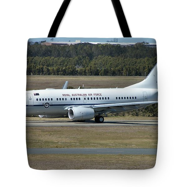 Boeing 737-7dt Tote Bag by Tim Beach