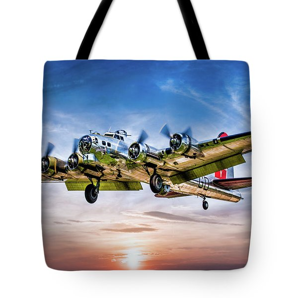 Tote Bag featuring the photograph Boeing B17g Flying Fortress Yankee Lady by Chris Lord