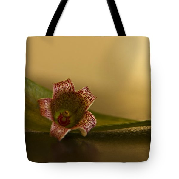Bottle Tree Flower Tote Bag