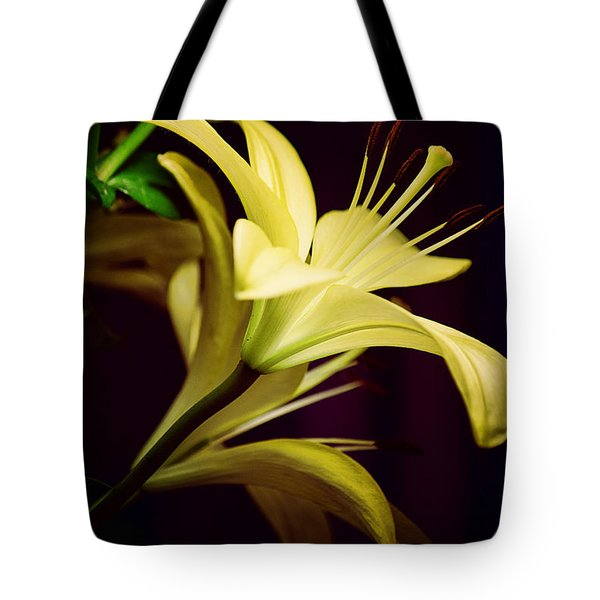 Brilliant Lily Tote Bag