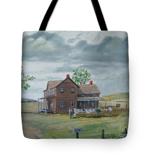 Bringing In The Clothes Tote Bag by Norm Starks