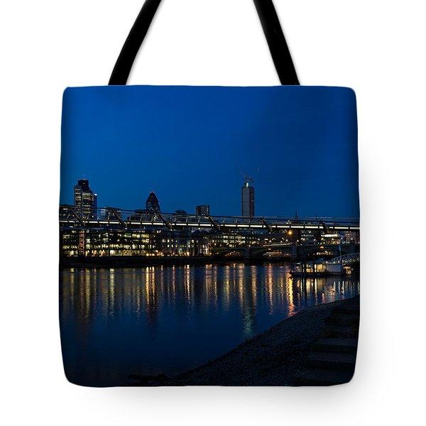 British Symbols And Landmarks - Millennium Bridge And Thames River At Low Tide Tote Bag