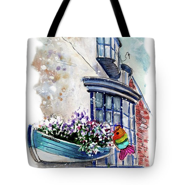 Broadies By The Sea In Staithes Tote Bag