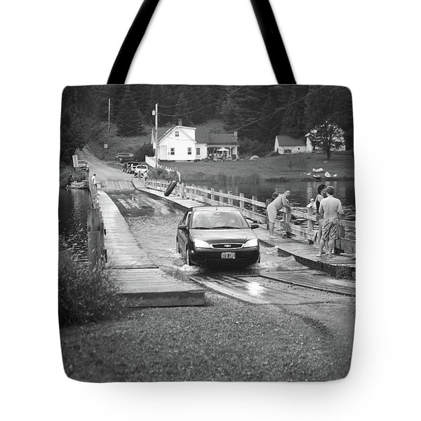 Tote Bag featuring the photograph Brookfield, Vt - Floating Bridge 3 Bw by Frank Romeo