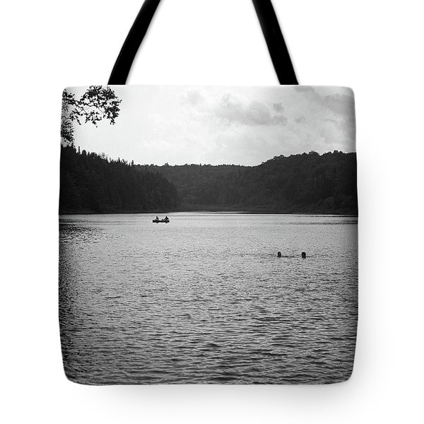 Tote Bag featuring the photograph Brookfield, Vt - Swimming Hole Bw 2 by Frank Romeo