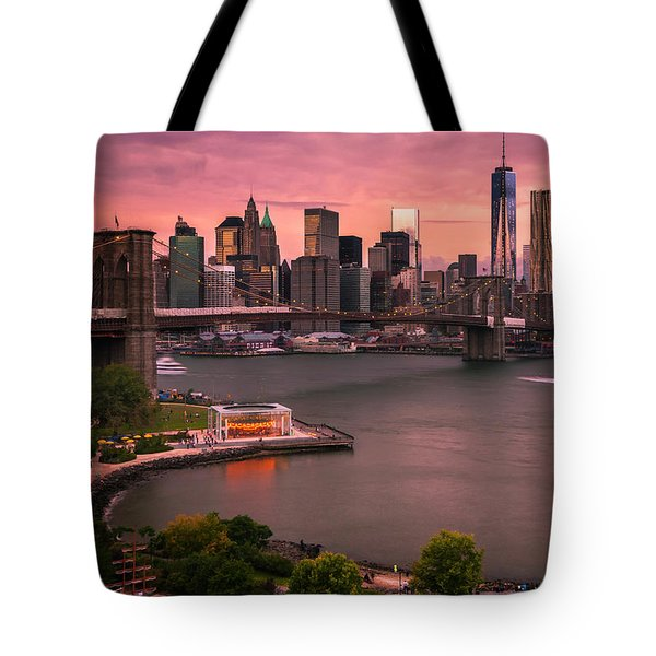 Brooklyn Bridge Over New York Skyline At Sunset Tote Bag