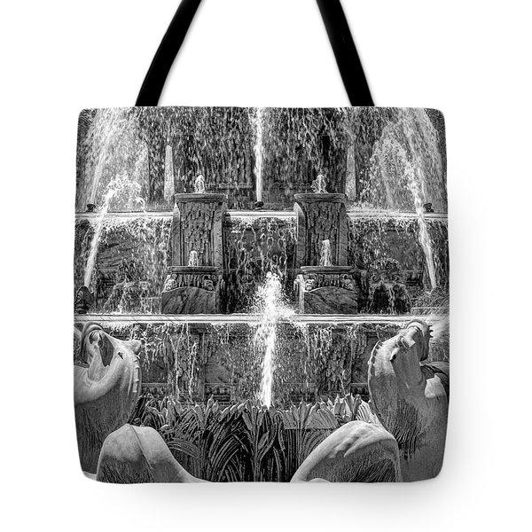 Buckingham Fountain Closeup Black And White Tote Bag
