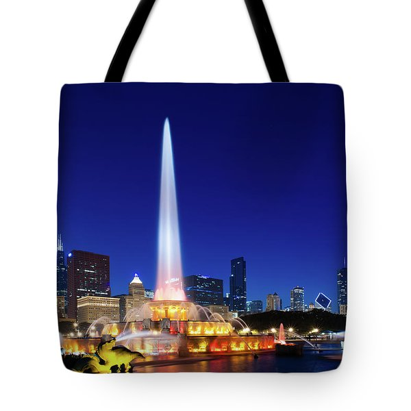 Tote Bag featuring the photograph Buckingham Fountain by Sebastian Musial