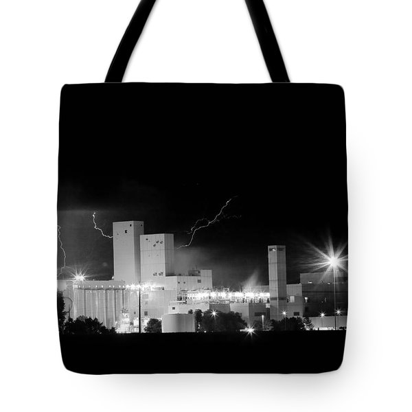 Budwesier Brewery Lightning Thunderstorm Image 3918  Bw Tote Bag by James BO  Insogna