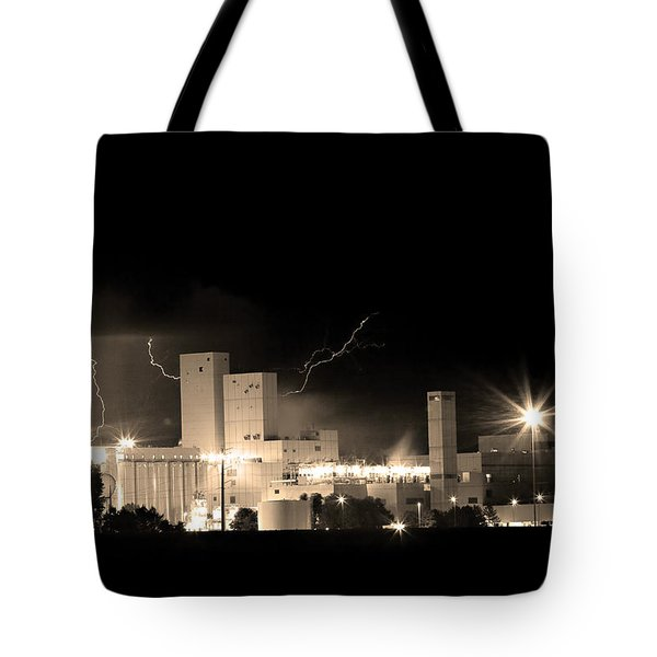Budwesier Brewery Lightning Thunderstorm Image 3918  Bw Sepia Im Tote Bag by James BO  Insogna