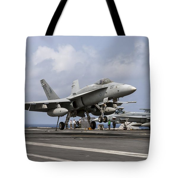 Bulls To Take The Wire Tote Bag