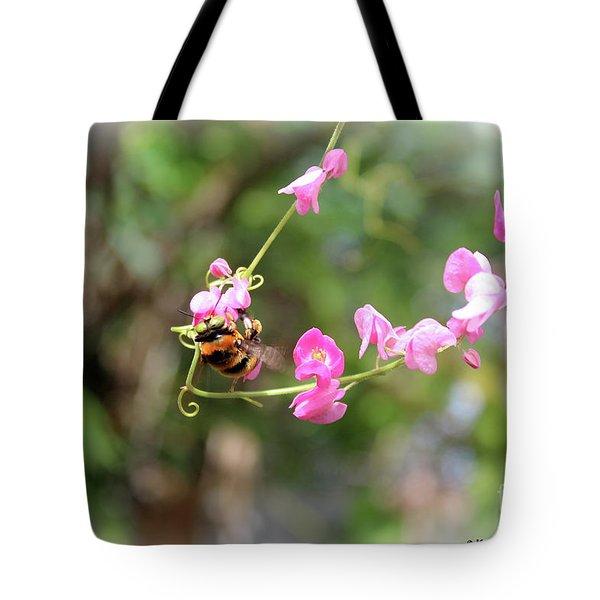 Bumble Bee2 Tote Bag