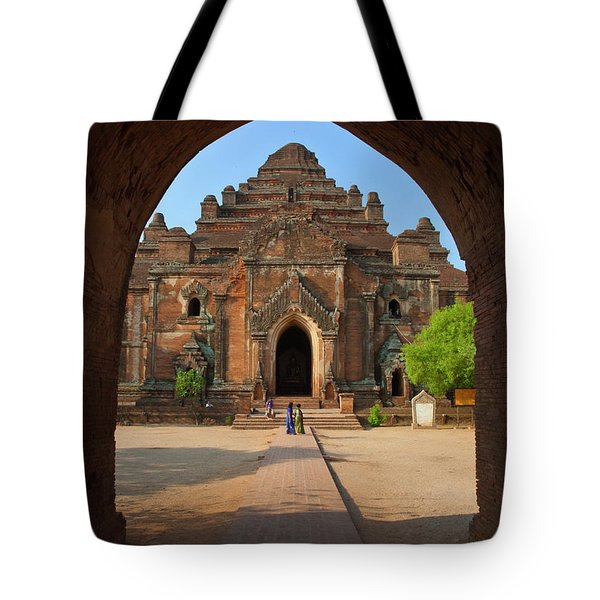 Tote Bag featuring the photograph Burma_d2095 by Craig Lovell