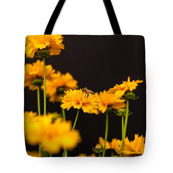 Busy Bee On Coreopsis Tote Bag