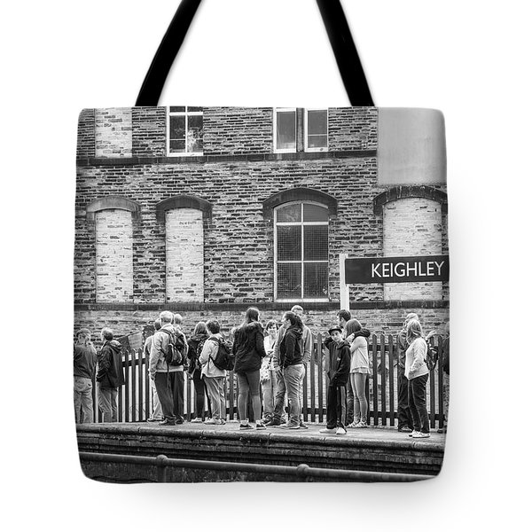 Busy Waiting Tote Bag by David  Hollingworth