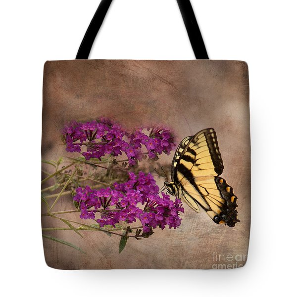 Butterfly , Eastern Tiger Swallowtail Tote Bag