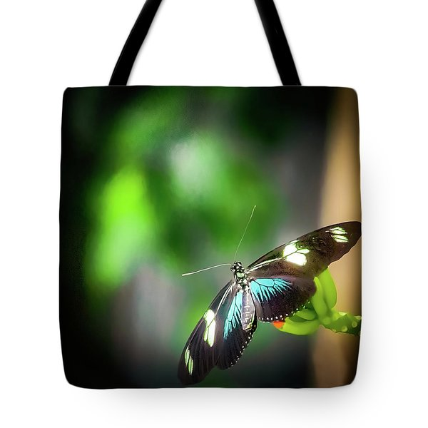 Tote Bag featuring the photograph Butterfly At Cleveland Botanical Gardens by Richard Goldman