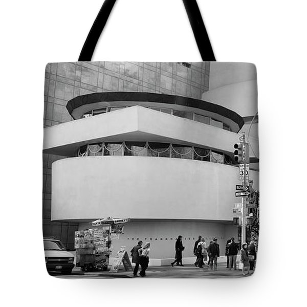 Bw Guggenheim Museum Nyc  Tote Bag