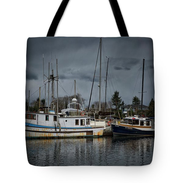 Tote Bag featuring the photograph Camjim by Randy Hall