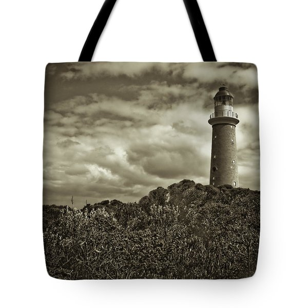 Tote Bag featuring the photograph Cape Du Couedic by Tom Vaughan