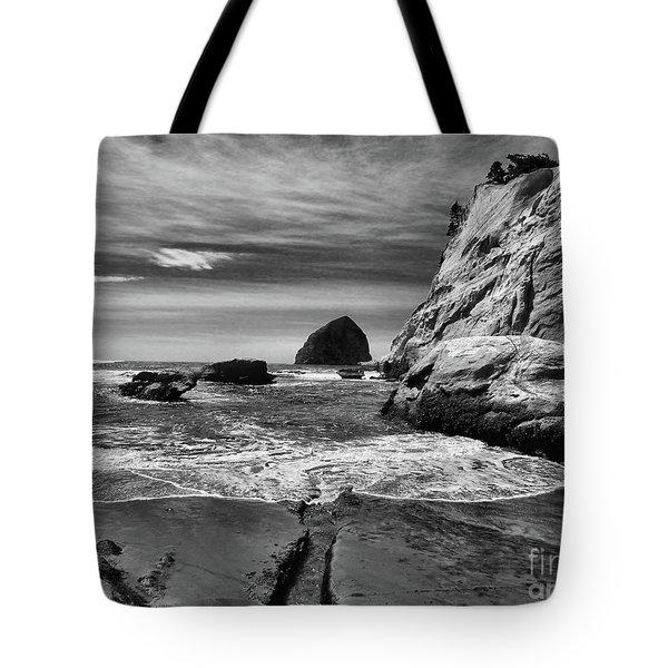 Cape Kiwanda Seascape Tote Bag by Scott Cameron
