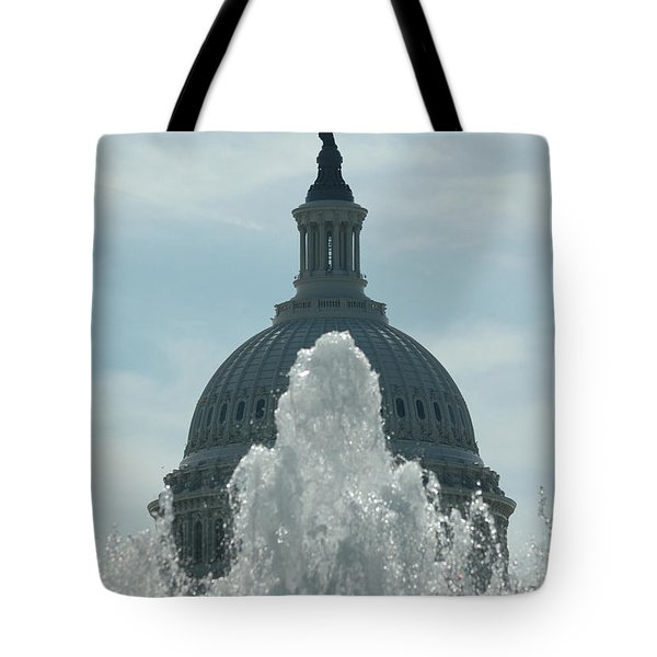 Capital Dome Behind Fountain Tote Bag