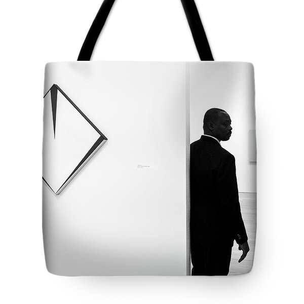 Carmen Herrera At The Whitney 1 Bw Tote Bag