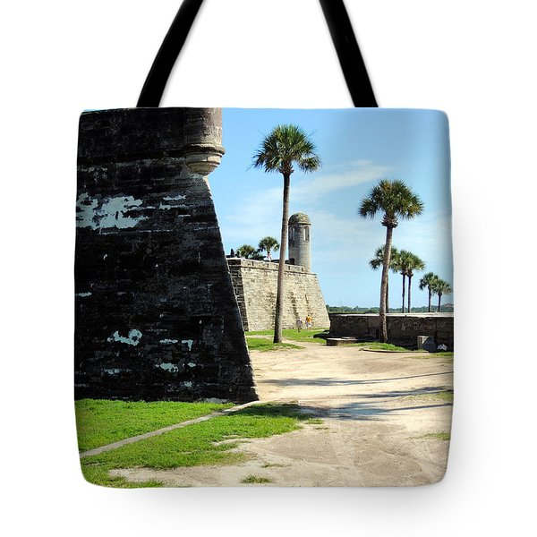 Tote Bag featuring the photograph Castillo De San Marcos St Augustine Florida by Bill Holkham