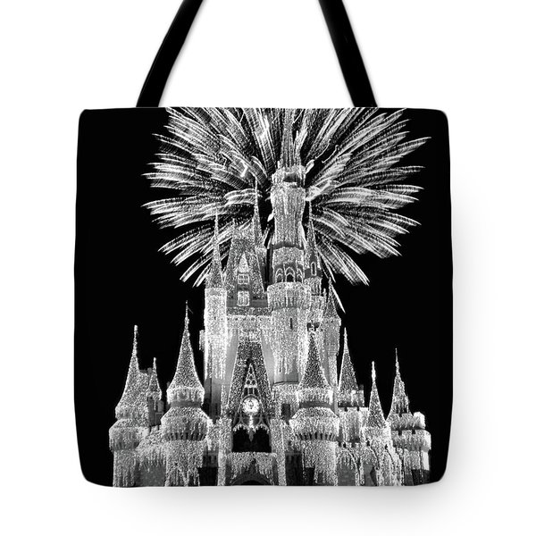 Castle With Fireworks In Black And White Walt Disney World Mp Tote Bag by Thomas Woolworth