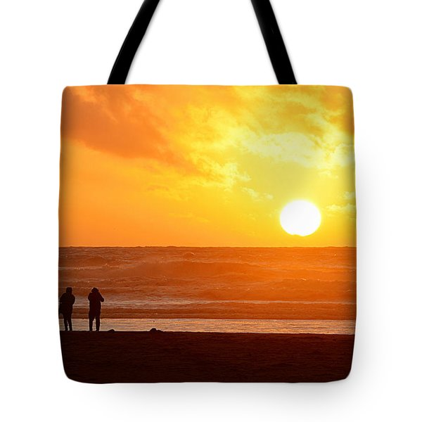 Catching A Setting Sun Tote Bag
