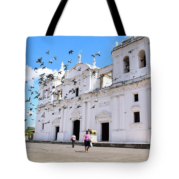 Cathedral Of Leon Tote Bag