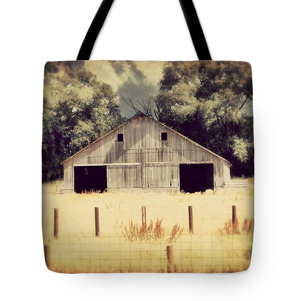 Tote Bag featuring the photograph Hwy 3 Barn by Julie Hamilton