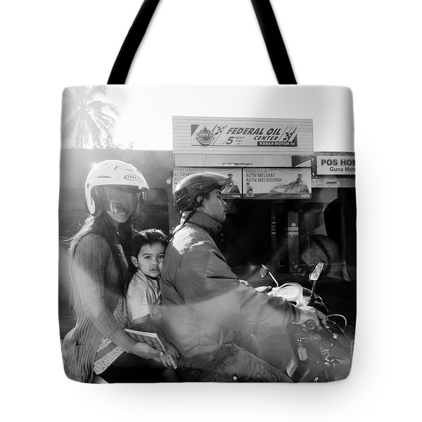 Tote Bag featuring the photograph Center by Hans Janssen