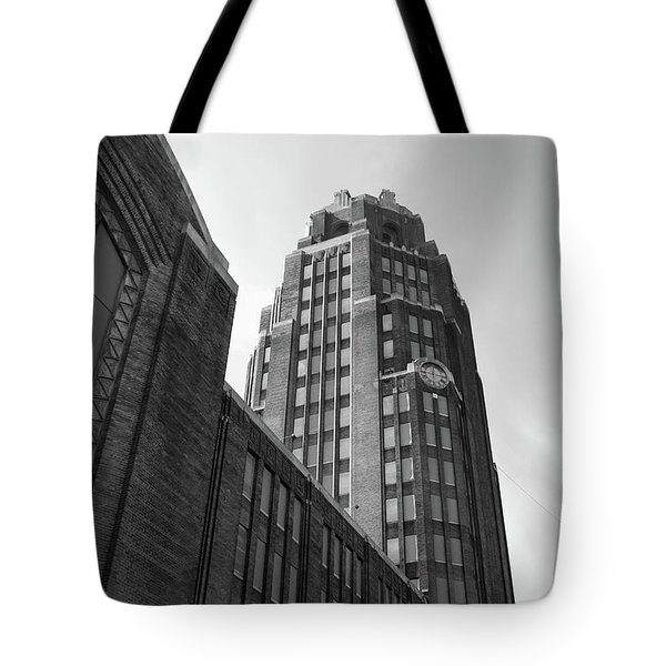 Tote Bag featuring the photograph Central Terminal 15142 by Guy Whiteley