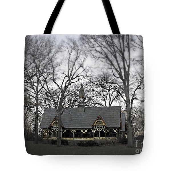 Centrally Located Tote Bag