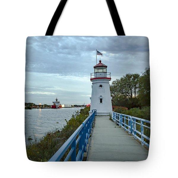 Cheboygan Crib Lighthouse Lake Huron, Lower Peninsula Mi Tote Bag