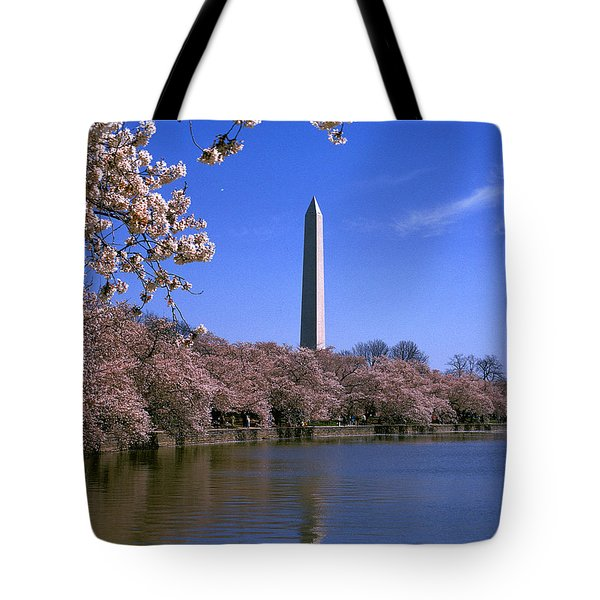 Tote Bag featuring the photograph Cherry Blossoms On The Tidal Basin 15j by Gerry Gantt