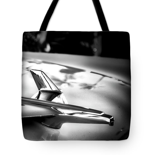 Chevy Noir Tote Bag