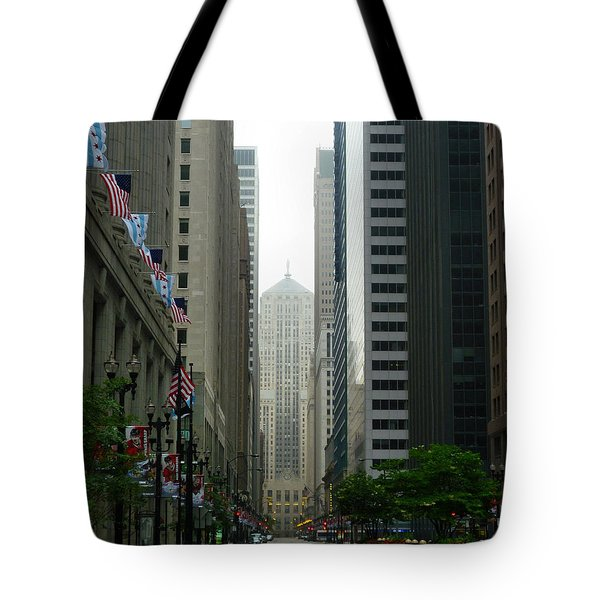 Chicago Architecture - 17 Tote Bag by Ely Arsha