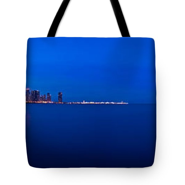 Chicago Lakefront Ultra Wide Hd Tote Bag by Steve Gadomski
