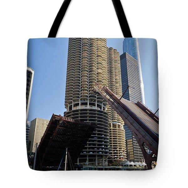 Chicago River Bridge Lift At Marina Towers Tote Bag