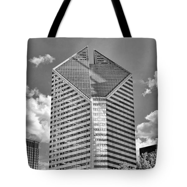 Tote Bag featuring the photograph Chicago Smurfit-stone Building Black And White by Christopher Arndt