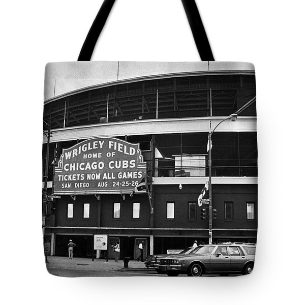 Chicago: Wrigley Field Tote Bag