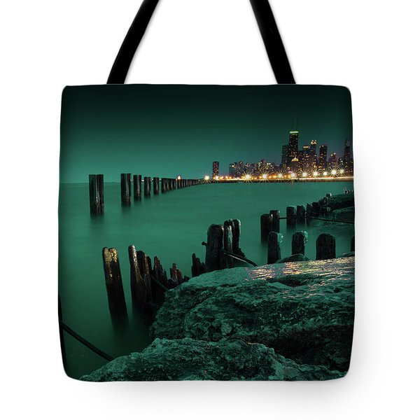 Chilly Chicago 2 Tote Bag