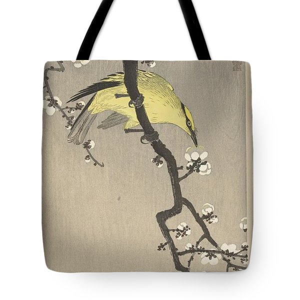 Chinese Oriole On Pruimenbloesemtak Tote Bag
