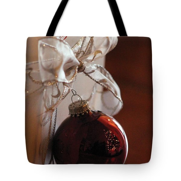 Christmas Ball And Bow Tote Bag