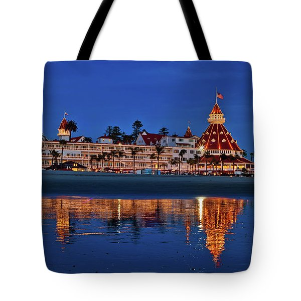 Christmas Lights At The Hotel Del Coronado Tote Bag