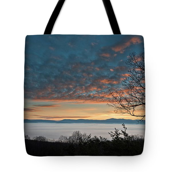 Christmas Morning Sunrise 2016 Tote Bag