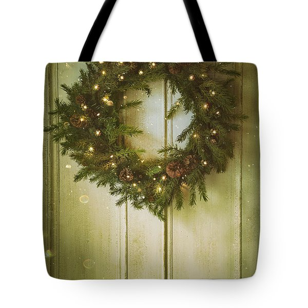 Christmas Wreath With Lights On Vintage Door Tote Bag