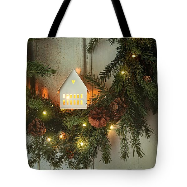 Christmas Wreath With Lights On Vintage White Door Tote Bag